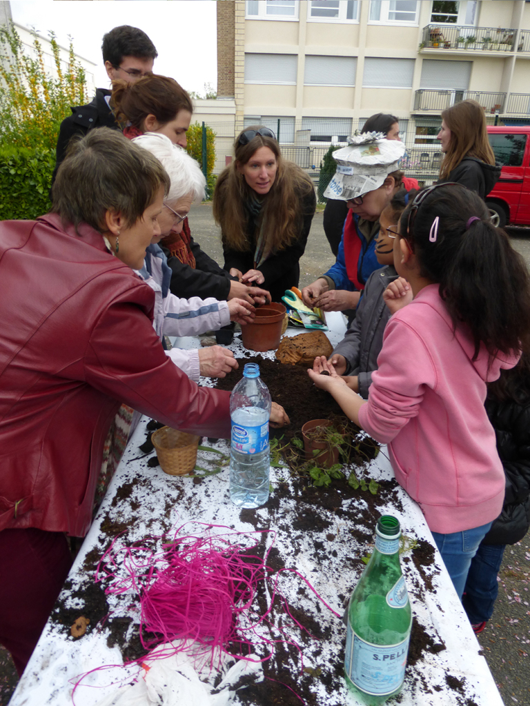 ateliers-participatifs-jardinage-ville-habitants-appropriation-culture-developpement-durable12